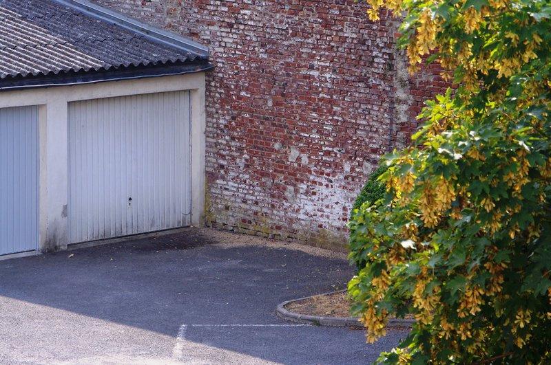 APPARTEMENT F2, GARAGE, PLACE DE PARKING